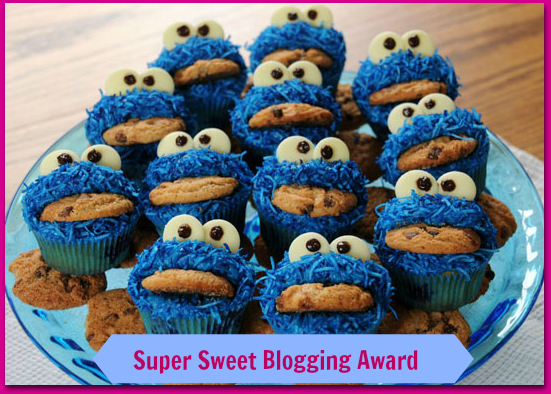 Super Sweet Blogging Award cookie-monster-cupcakes